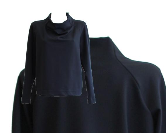 W15 T11 top boat neckline raglan blue