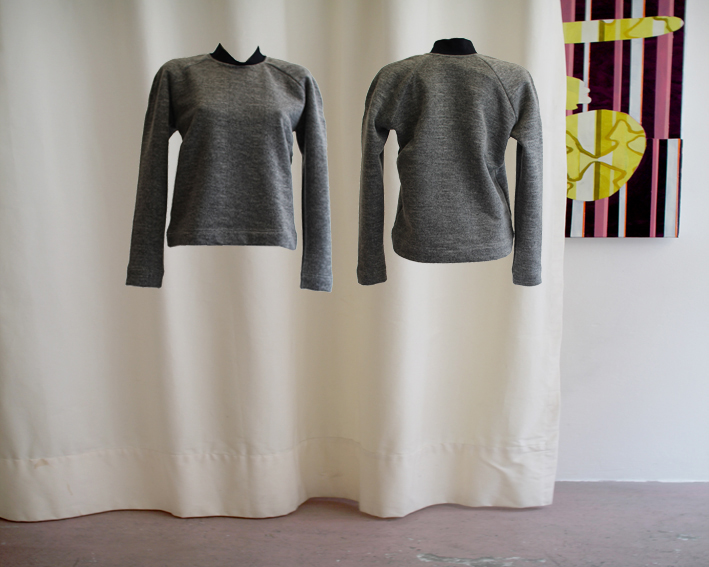 W16 T12 top color blocking roundneck thick wool mix